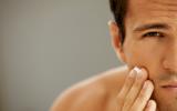 Een vette of onzuivere huid bij volwassenen
